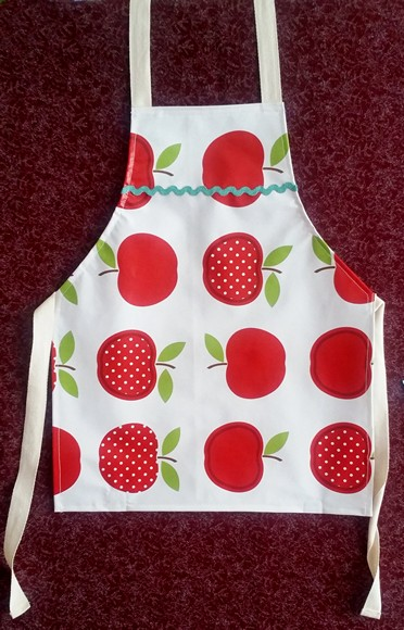 wipeable apron for children