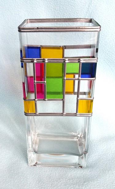 art glass vase by U.N.C