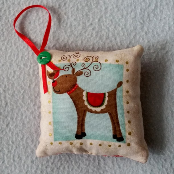 Christmas Pin Cushion